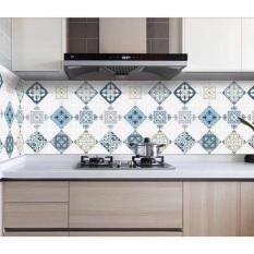 Giấy dán bếp tráng nhôm cách nhiệt phong cách hiện đại khổ 60CM keo sẵn.Độ bền cao, keo bám chắc, tuổi thọ giấy lâu.