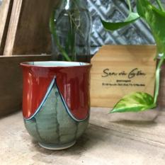 Cốc gốm Nhật màu đỏ tươi và xanh rêu gốm sứ Nhật Bản kích thước 6.5×8