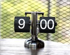 Đồng hồ để bàn Lá Lật Flip Clock