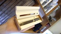 Bút kí trầm hương cao cấp