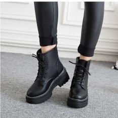 Giày boot nữ đế vuông 4cm dây buộc cá tính B118