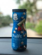 (MẪU MỚI) Bánh Ăn Dặm Cho Trẻ GERBER PUFFS – 42g (date tháng 10/11/12 – 2021) – Chuối/ Dâu Táo/ Việt Quất