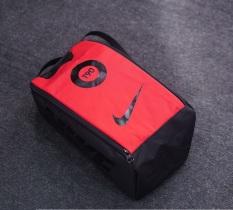 Túi đựng giày thể thao.