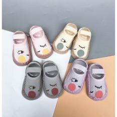 Giày vớ tập đi 2 trong 1 mẫu mới cho bé