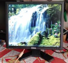 Màn Hình Dell LCD 17in còn rất đẹp màu sắc tươi sáng không bị lõi hay sọc chỉ