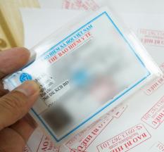Set 10 cái vỏ bọc nhựa dẻo trong đựng thẻ bảo hiểm y tế (có nắp đậy) 10B232