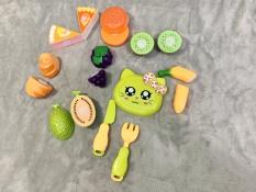 Đồ chơi cắt trái cây và bánh