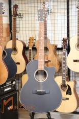 Đàn Guitar Acoustic M300 âm thanh tự nhiên và chân thật, có độ bền cao, dễ dàng sử dụng cho người mới tập