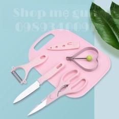 Bộ dao, thớt, kéo chế biến ăn dặm cho bé/ Bộ dụng cụ chế biến ăn dặm cho bé, bộ dao thớt keo lạo tặng kèm khuôn rán trứng hình trái tim