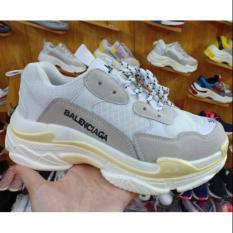 Giày Triple S màu xám trắng viền vàng