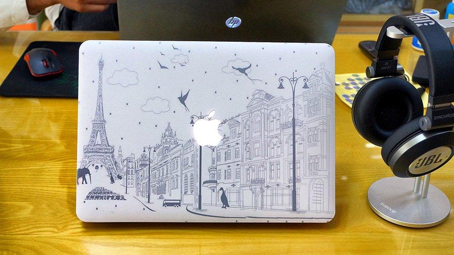 Ốp 2 mặt cho Macbook C016 13Pro Retina (Hoạ tiết Paris)