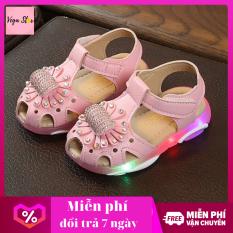 Giày xăng đan bé gái / giày tập đi bé gái có đèn led thêu hoa gắn đá dễ thương