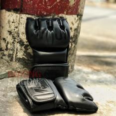 Găng tay MMA Venum đánh bao cát