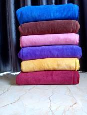 KHĂN GỘI SPA màu nâu đỏ,vàng,trắng, kt: 35×75 cm, trọng lượng 100g, chất liệu fiber, mềm mịn, thấm hút nước nhanh, không xù lông
