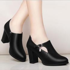 ( Bảo hành 12 tháng ) Giày boot thời trang nữ khoét hình bán nguyệt – Giày boot cao gót 7cm – Giày nữ mũi nhọn phối khóa thời trang – Mall Linus LN1687