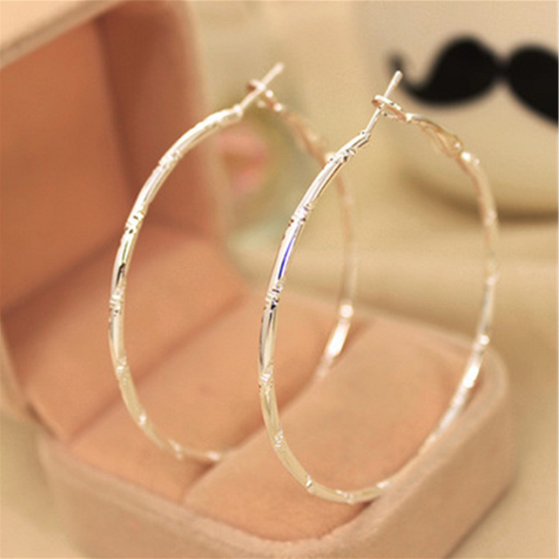 Khuyên tai tròn dành cho nữ chất liệu hợp kim mạ bạc S925 siêu bền siêu đẹp sang trọng cá tính phù hợp cho các hoạt động đi học đi làm đi chơi đi du lịch hoa tai nữ bông tai nữ
