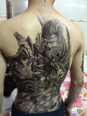 Hình xăm dán tattoo kín lưng 34x48cm tề thiên mặt quỉ (Mua 1 tặng 1. Chọn mẫu tùy thích)