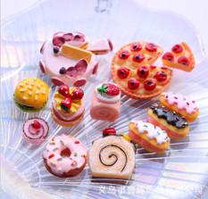 Mô hình các loại bánh trang trí nhà búp bê