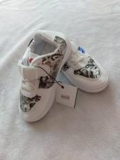 giày thể thao trắng đen cho bé