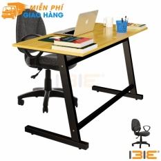 Bộ bàn Rec-Z chân đen mặt tự nhiên và ghế IB505 đen có tay