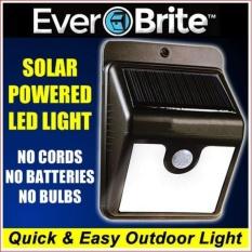 Đèn cảm biến treo tường năng lượng mặt trời 4 LED