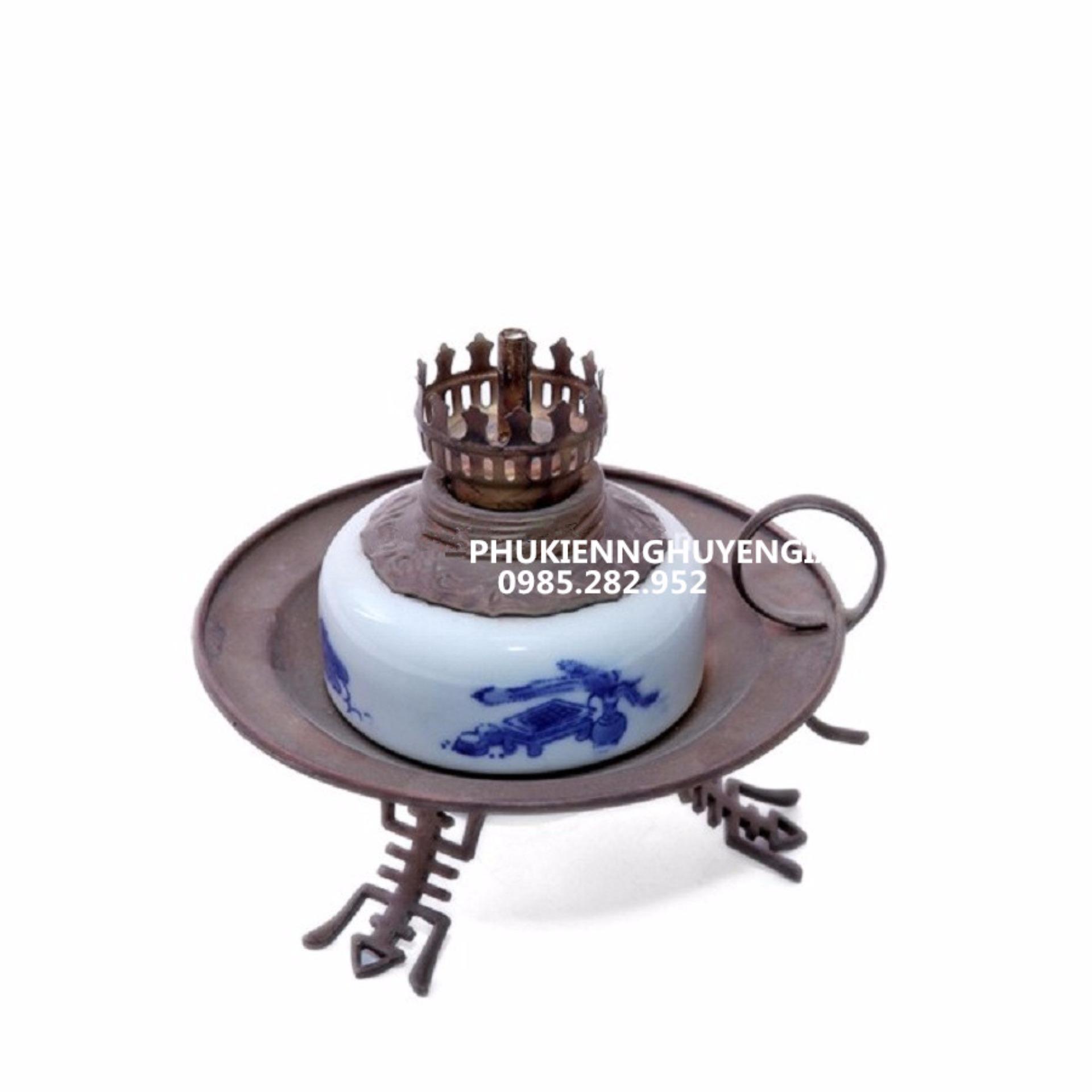 Giá Niêm Yết Đèn dầu thờ – Gốm sứ Bát Tràng -dáng đèn đĩa – men lam cổ – cao 20 cm
