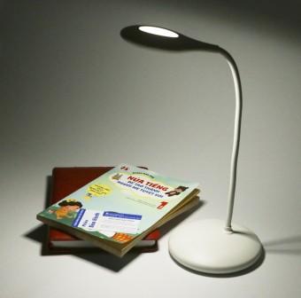 Đèn đọc sách LED để bàn cảm ứng chống cận Magiclight LMG8717