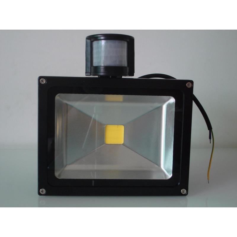 Bảng giá Mua Đèn Led Cảm ứng Thông Minh, Đèn Pha Led Siêu Sáng - Tặng Cảm Biến Hồng Ngoại Siêu Tiết Kiệm Điện