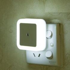 Đèn ngủ cảm biến ánh sáng tự động tắt mở (Trắng)