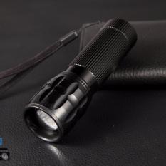 Đèn pin chiếu xa siêu sáng Police X2000 (Đen)