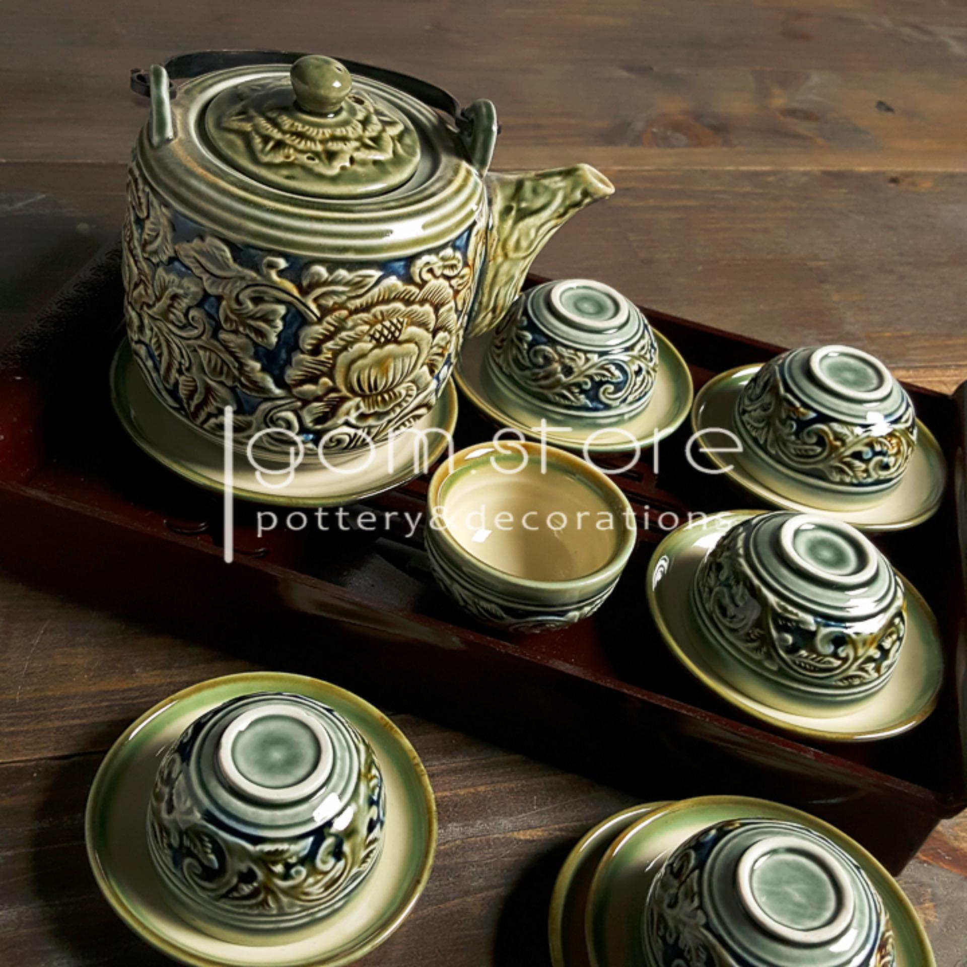 Ấm chén Bát Tràng khắc tay hoa dây nổi dáng vại men xanh đồng (Bộ ấm trà trên không kèm...