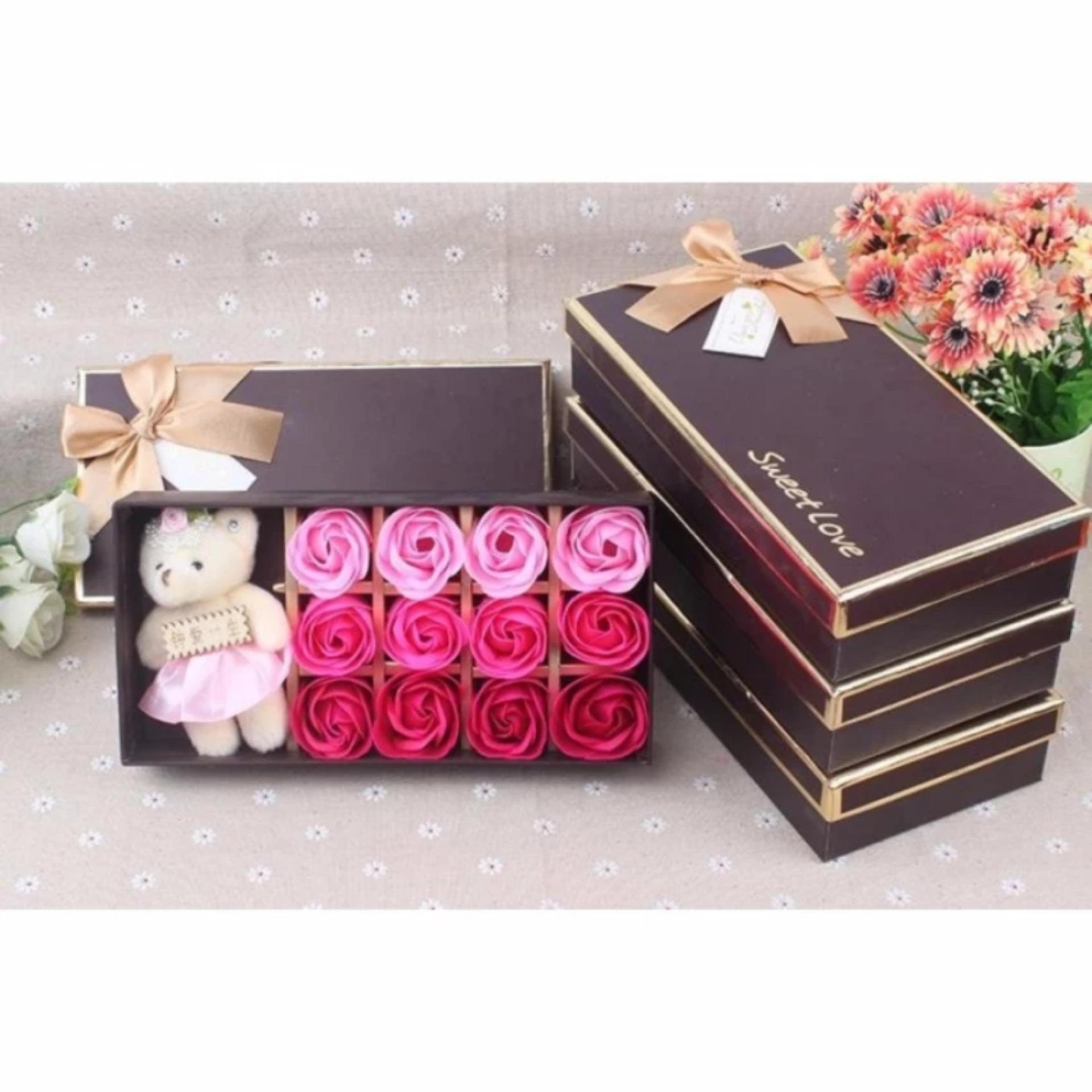 Hộp quà 12 Hoa hồng sáp thơm kèm gấu bông