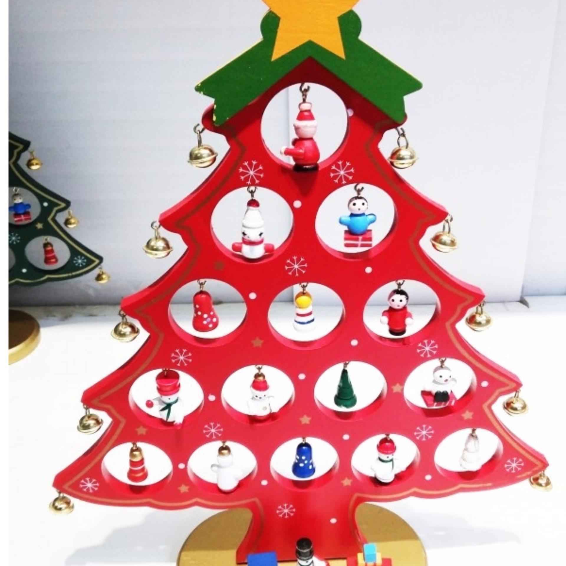 Cửa hàng bán Mô hình cây thông Noel chuông vàng bằng gỗ-Trung (Đỏ)