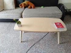 Bàn chữ nhật gỗ cao su sofa phòng khách ngồi bệt