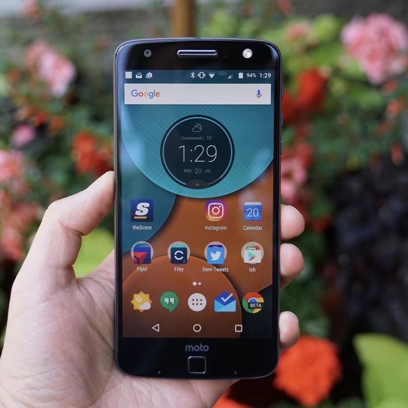 Điện thoại Motorola Moto Z Force Ram 4G/32G, Màn 5,5 Inh/2K, Camera 21MP, Vân Tay Đen