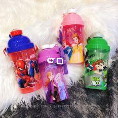 Bình nước nút bấm hình công chúa Princess, Frozen, Spiderman, Ben Mười siêu xinh cho các bé – 500ml – (Thái Lan) – 7x7x19cm