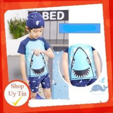 [Lấy mã giảm thêm 30%]⛔ Bộ quần áo bơi kèm mũ dành cho bé trai xuất Nhật hoạ tiết cá mập