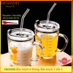 cốc thủy tinh pha sữa -Gigamart- có vạch đo thể tích 350ml, có nắp đậy, ống hút silicon đi kèm- tặng kèm thìa khuấy sữa