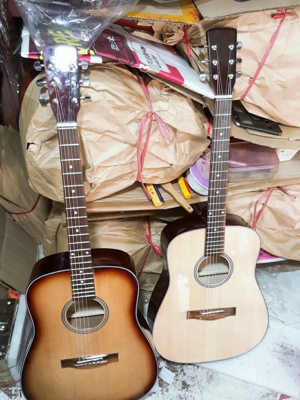 Đàn guitar acoustic thùng vuông