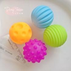 Đồ chơi bóng mềm Soft Balls tăng cường sự phát triển não – tập cầm nắm cho bé cho bé từ 3-18 tháng tuổi