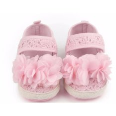Giày tập đi bông hoa