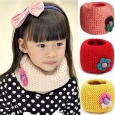 Khăn len ống hình hoa cho bé gái – Kmart