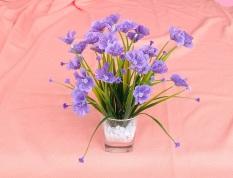 Chậu Hoa giả trang trí màu tím thanh lịch, KÍCH THƯỚC NHỎ, cao 23cm, tán xòe 22cm, để bàn, kệ