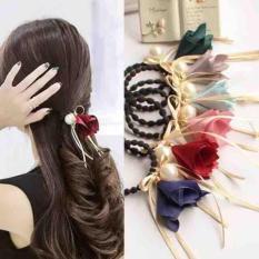 Dây buộc tóc hoa rơi phong cách Hàn xinh xắn