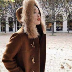 Áo khoác da koinj mũ lông khuy sừng