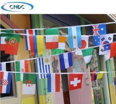 Dây cờ trang trí (dài 25m – 100 lá cờ; 13m – 50 lá cờ; 7m – 24 lá cờ các quốc gia).