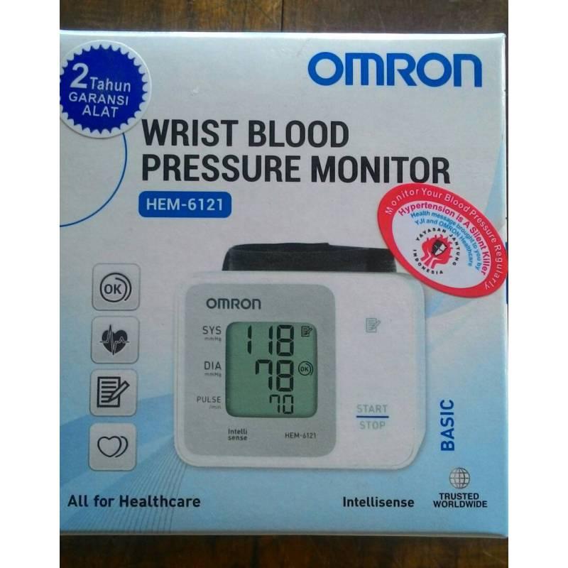 Nơi bán Máy đo huyết áp cổ tay OMRON HEM-6121
