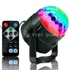 Đèn Led xoay 7 màu cảm ứng theo nhạc có điều khiển