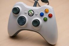 Tay cầm chơi game USB for PC 360 có dây (Màu ngẫu nhiên)