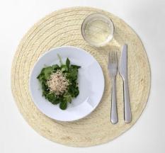 Set 10 tấm đế lót bàn ăn bằng lá buông dệt tay (Palm Slip Place Mat)-Màu trắng kem